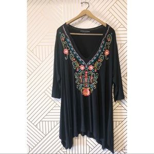 Soft Surroundings Embroidered Floral Tunic Top